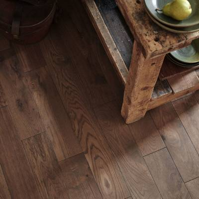 Woodpecker York Solid Oak Flooring - Tawny Oak (Brushed & Matt Lacquered)